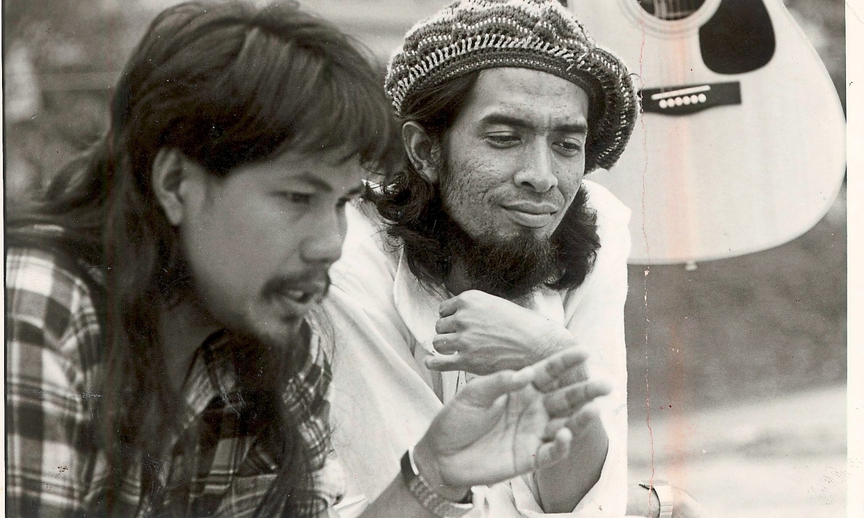 M. Nasir (left) with Dr Sam in the 1986 movie 'Kembara Seniman Jalanan', which M. Nasir wrote and stars in.