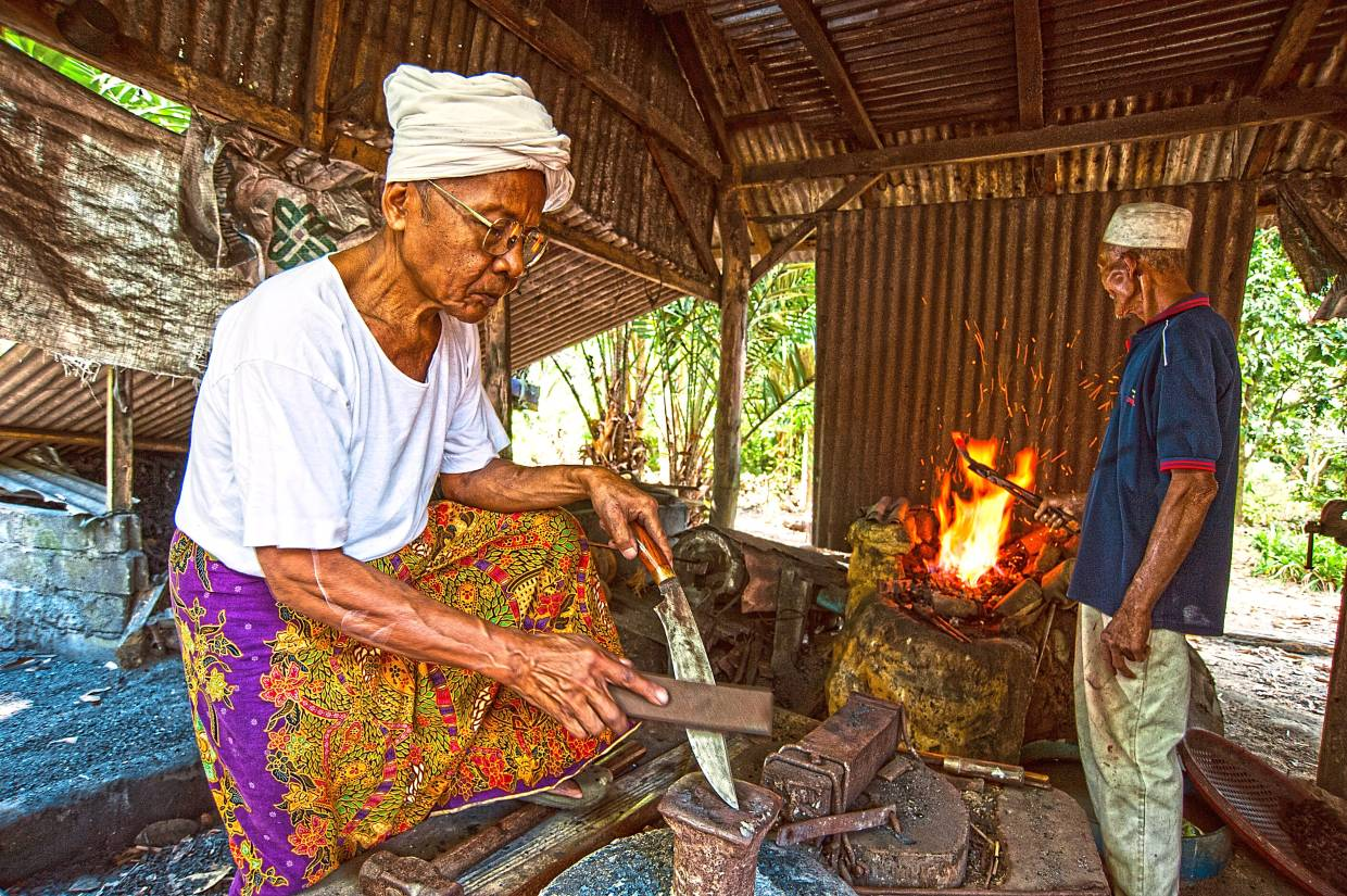 There are many local artisans in Malaysia where you can learn ancient art form, such as keris making in Kelantan.
