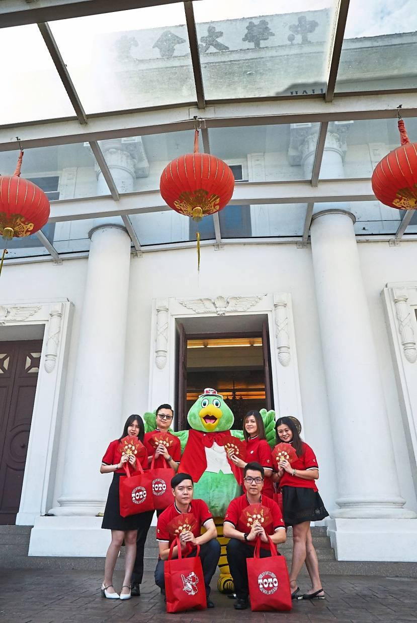 Sports Toto welcomes qualified senior citizens to join its Chinese New Year campaign launch at Kuala Lumpur and Selangor Chinese Assembly Hall on Jan 9.