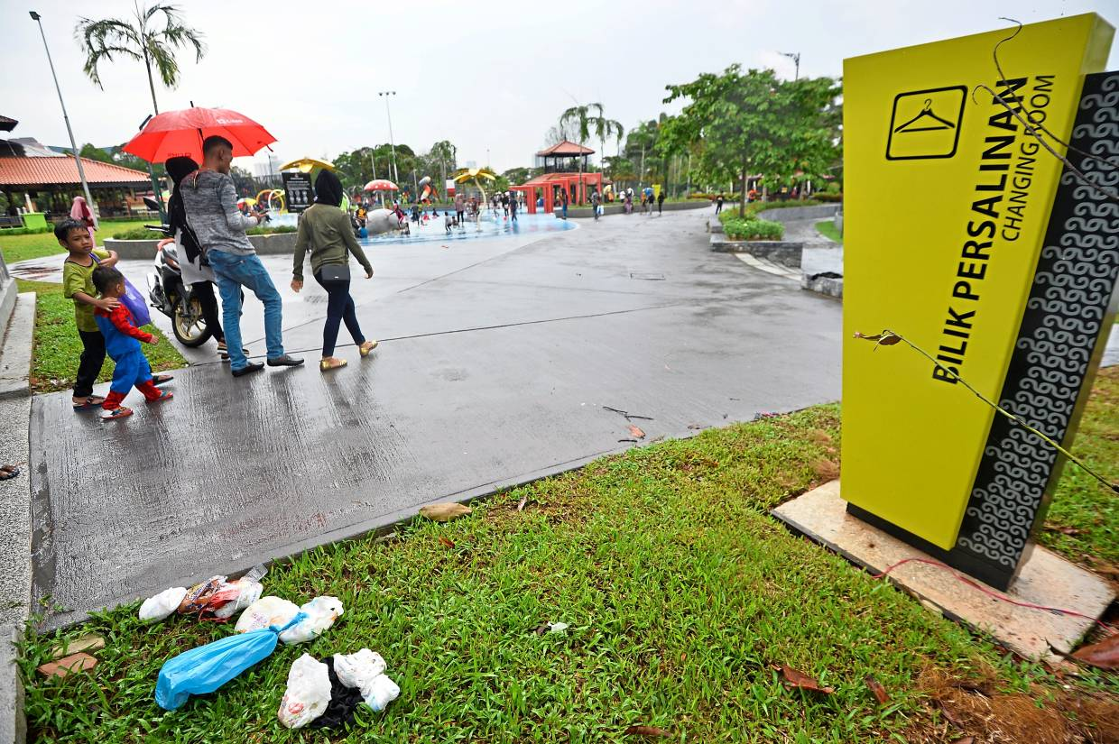 Rubbish left all over Taman Tasik Titiwangsa while visitors say more dustbins are needed to prevent littering.