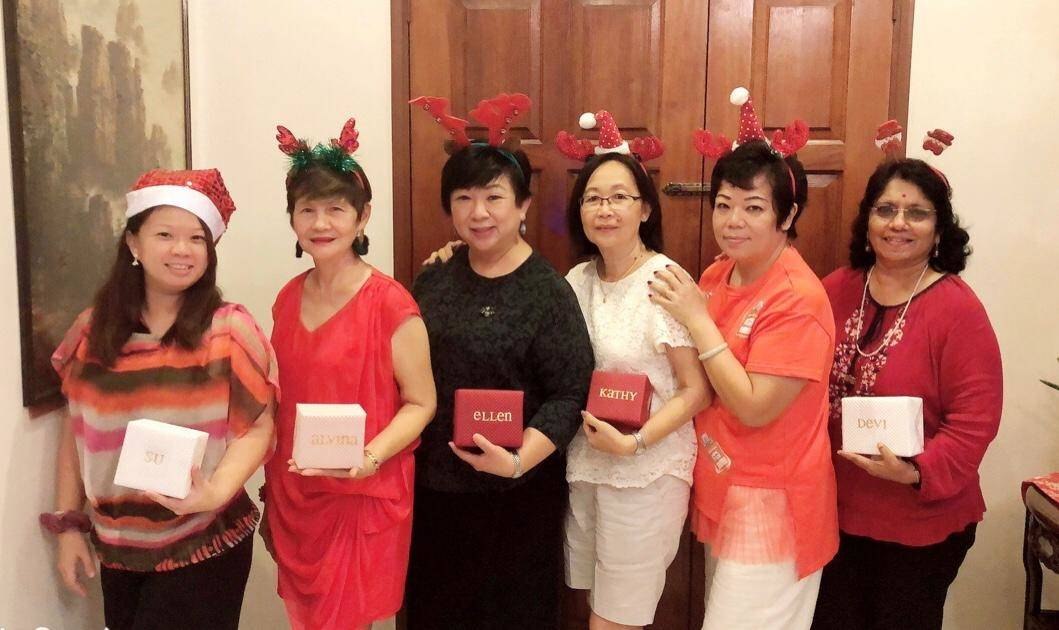 The Fabulous Six (fr left) Koo, Kim, Kay, Chong, Mimi and Devi.