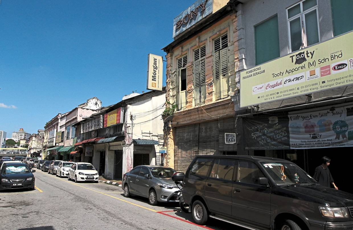 Some of the shophouses in Jalan Station 1 in Klang are rundown.