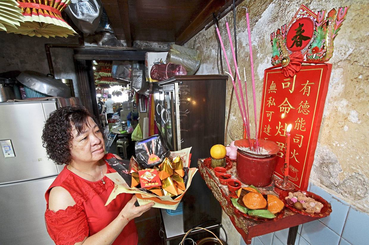 Sweet send-off for Kitchen God | The Star