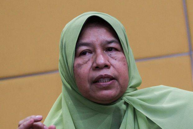 Letter, pictures of application forms of Zuraida joining Bersatu ...