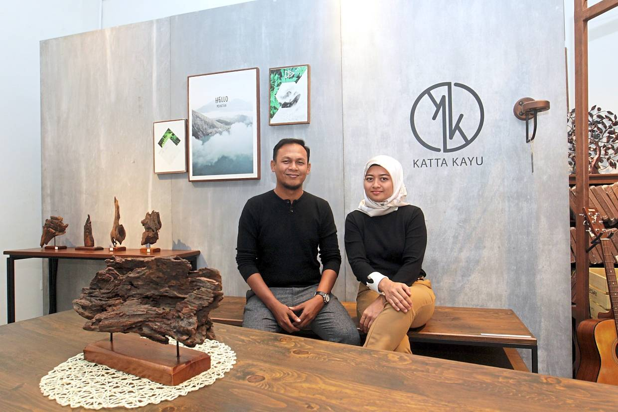 Good prospects: Fazli and Ilmi are optimistic about Katta Kayu's growth prospects this year.