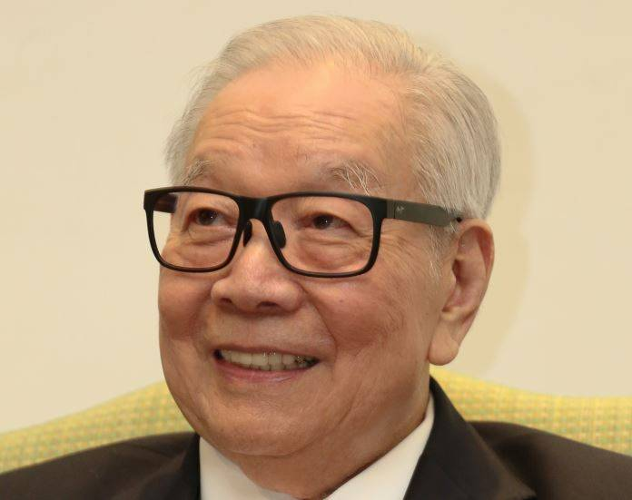 """Tan Sri Teh Hong Piow: """"This second interim dividend payment, which amounted to RM171.30 million, is part of the group's effort to reward its shareholders for their trust and confidence in LPI."""""""