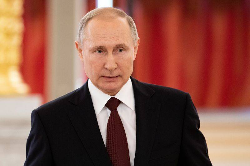 Russia S Putin Proposes Stripping Pharmacy Licences For Raising Anti Virus Mask Prices The Star