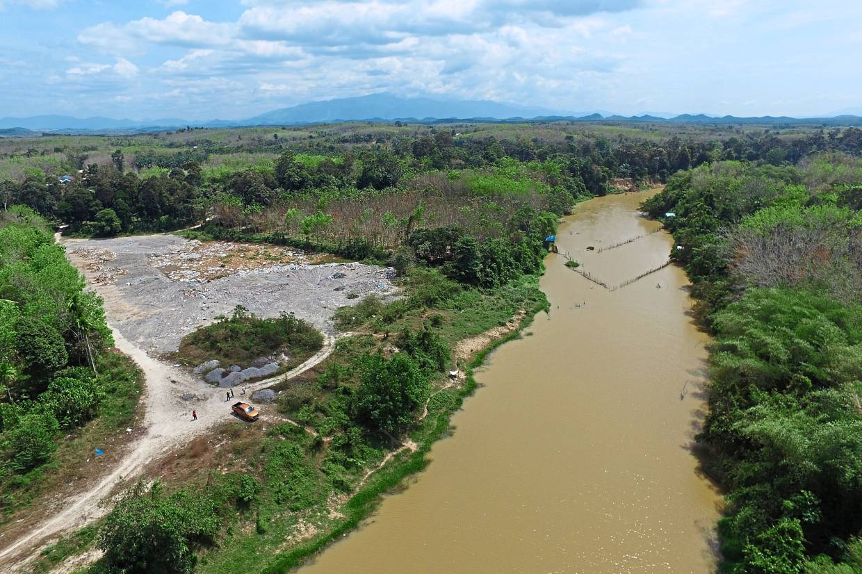 Cause for worry: An aerial view of the second illegal dump site found on the edge of the Sungai Muda