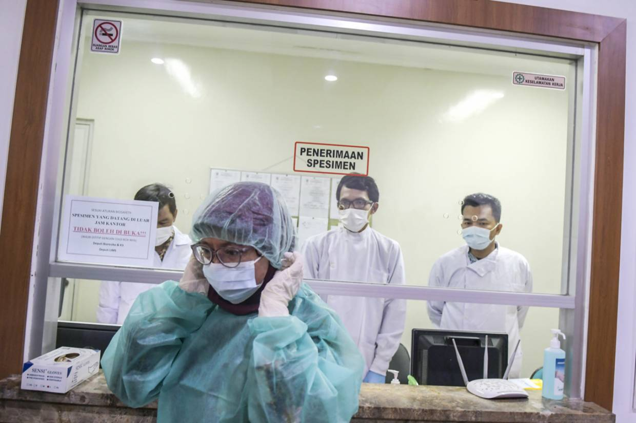 Indonesian Student Becomes First Suspected Case Of Covid 19 The Star