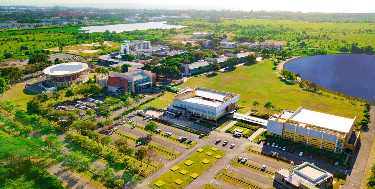 Curtin Malaysia offers quality Australian education in a Malaysian setting at local fees.