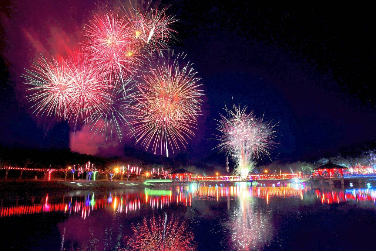 The Chap Goh Meh celebrations organised by IJM Land in Seremban 2 culminated in a fireworks display.