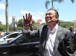 Live updates: Anwar confirms he is Pakatan's choice for PM