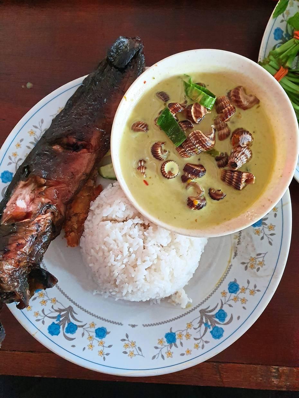 Itik Salai Masthar also serves smoked catfish to go along with your choice of masak lemak cili api.