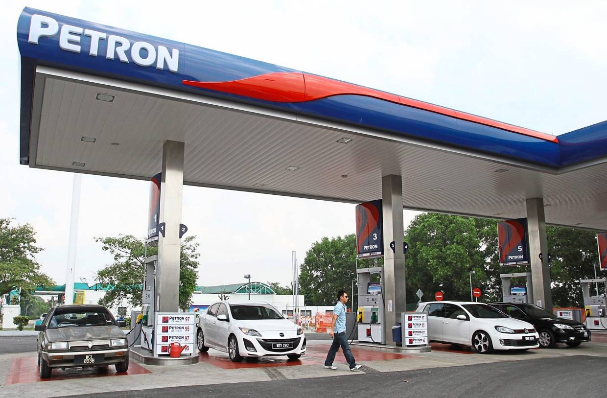 Marginal increase: A Petron petrol station in Shah Alam. For full-year 2019, the company's sales grew by 2% over the previous year, generating total sales of 36.3 million barrels.