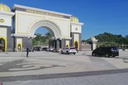 Malay Rulers at Istana Negara for special meeting (updated)