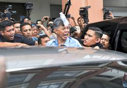 Afif and Tian Chua face angry crowds