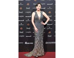 Carina Lau spends time with shelter residents