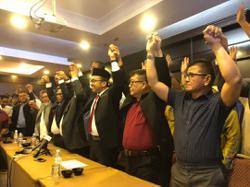 Melaka DAP, PKR reps switch camps