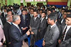 Muhyiddin meets with SPM students in his first event