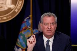 Smoking or vaping increases risks for those with coronavirus - NYC mayor