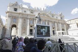 Pope gives on-screen sermon as Vatican museums close over virus