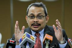 MACC could not find evidence that Najib knew about SRC money in his account, Dzulkifli tells court