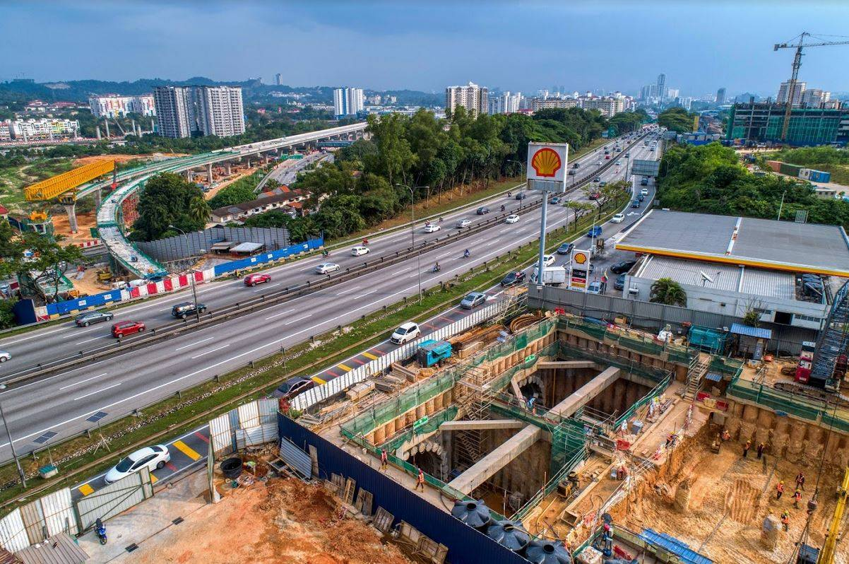 MILESTONE: Aerial view of where the breakthrough of the underpass tunnel below the Kuala Lumpur-Seremban Expressway near Sungai Besi takes place, marking another milestone for the MRT Sungai Buloh-Serdang- Putrajaya Line project, which contributes to the project achieving more than 70% completion. Pic by MRT Corp