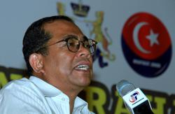 Umno not subordinate to Bersatu or Muhyiddin, says Khaled Nordin