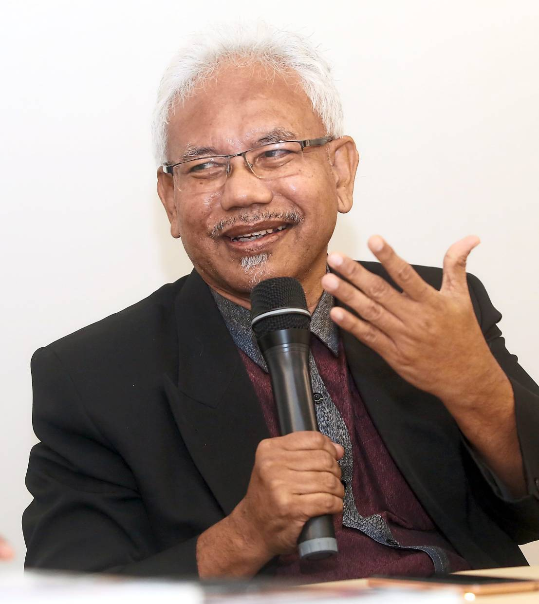 Mohd Tajuddin says the failure to teach students about the nation's shared history, prosperity and spirituality, is a problem that must be addressed.