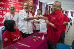 Dr M stays Bersatu chairman, Mukhriz takes on Muhyiddin