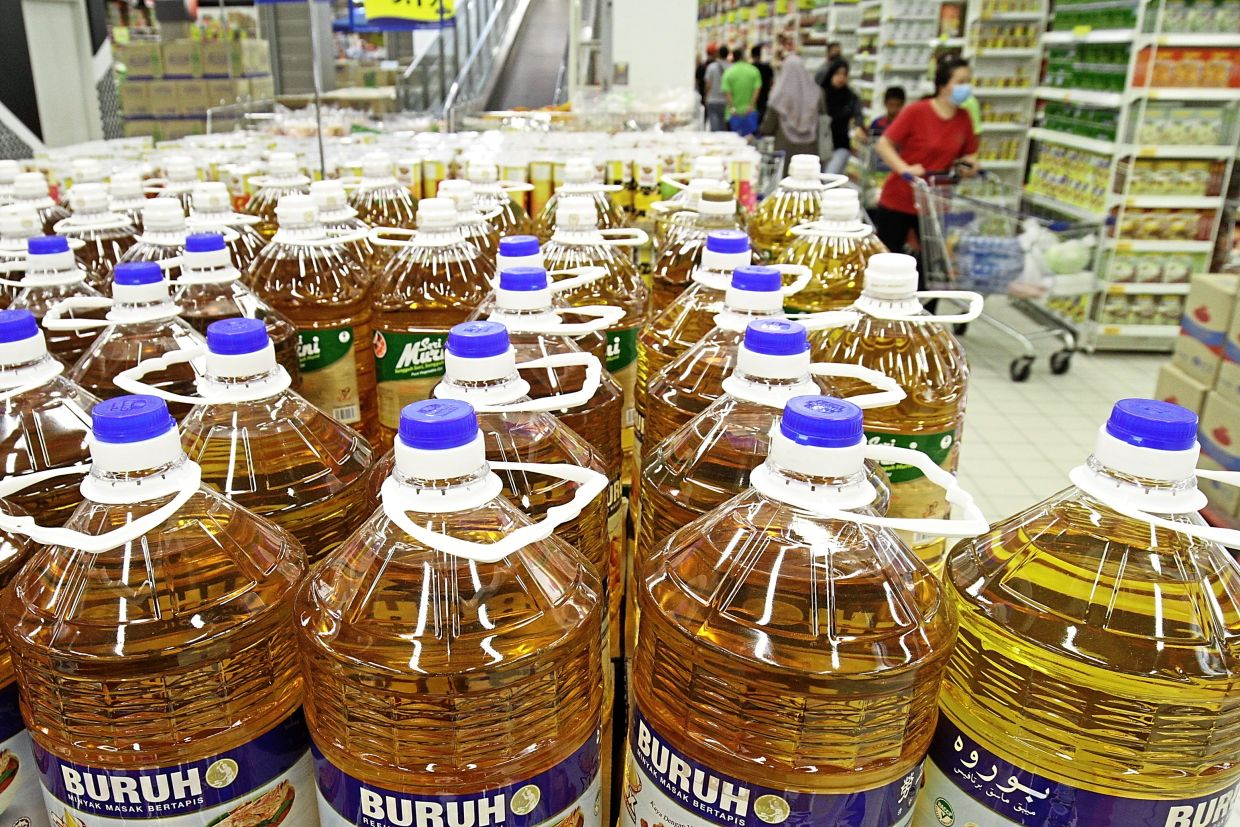 Plenty of cooking oil available at the mall.