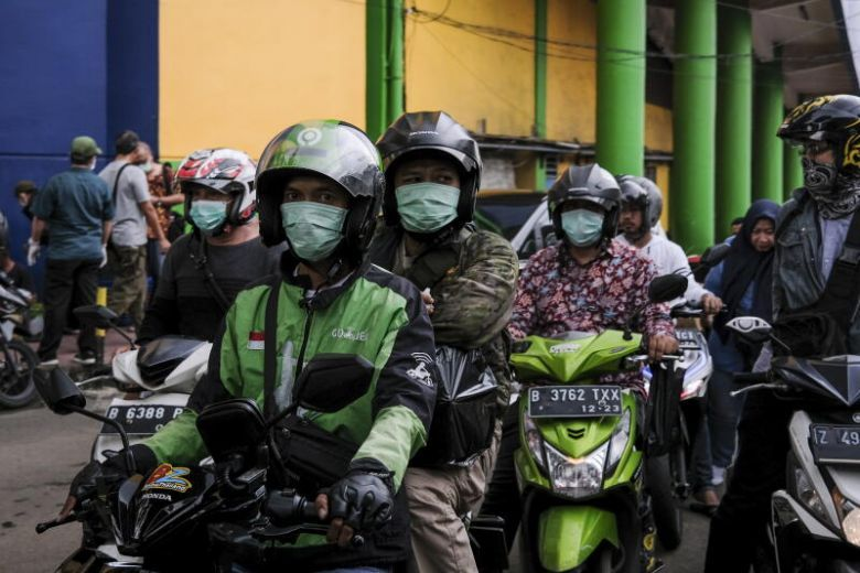 ( breaking News ): Covid - 19 : Indonesia estimates more than 500 , 000 had contact with virus suspects
