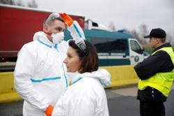 Selfie app to keep track of quarantined Poles