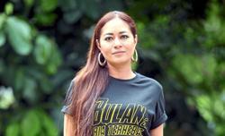 Maya Karin keeping fit at home
