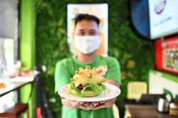 Chef spreads joy with 'Coronaburger'