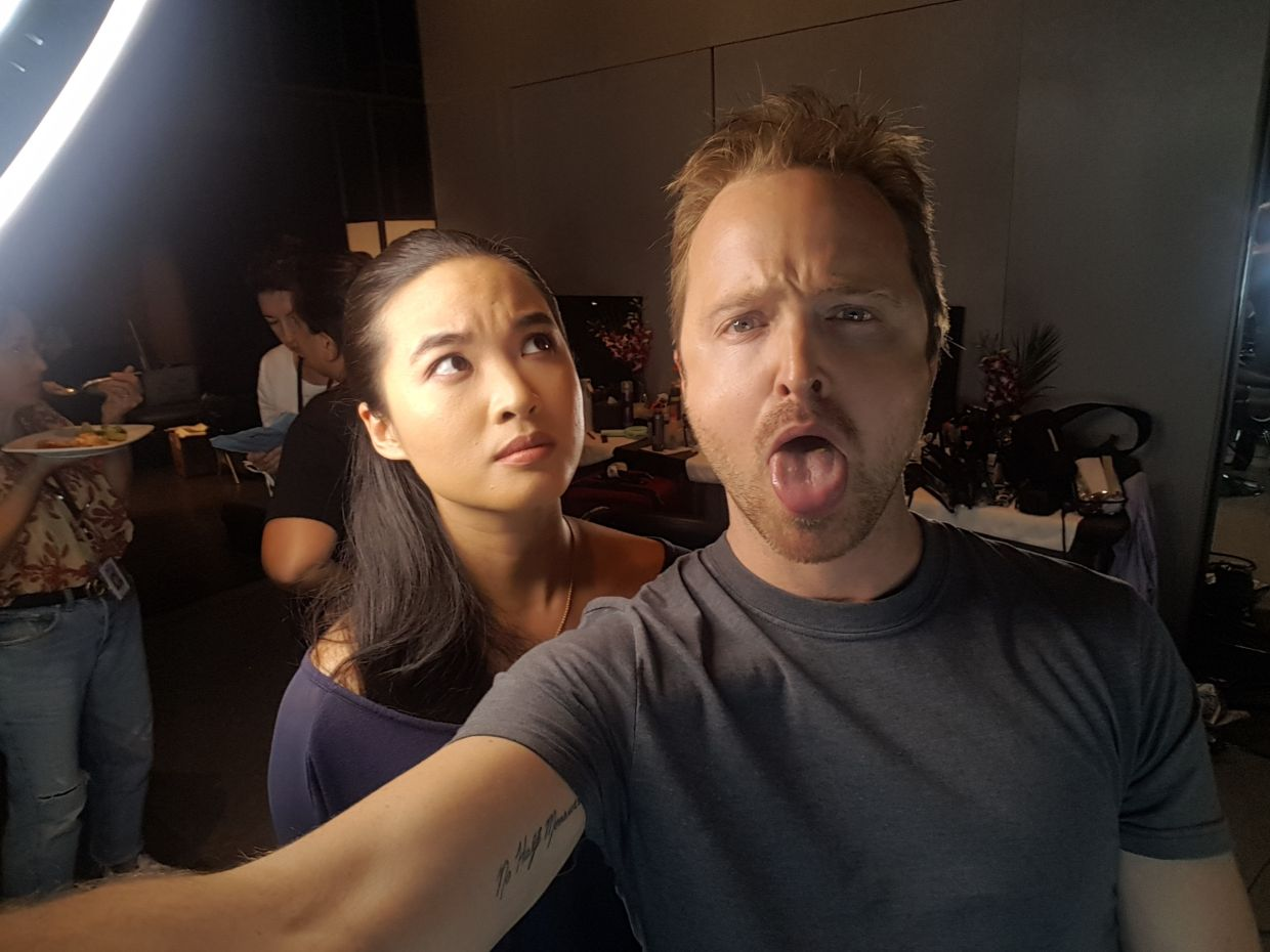 Actress Cheryl Chitty Tan takes a selfie with Aaron Paul. Photo: Instagram (@cherylchittytan)