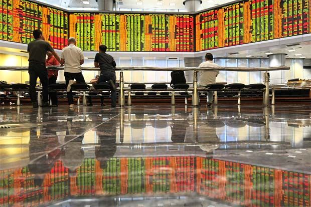 At 5pm yesterday, the local bourse retreated 28.23 points, or 2.09% to 1,322.66. The index opened 5.99 points lower at 1,344.90 on Wednesday morning.Dealers said the Covid-19 pandemic and prospect of a global recession overshadowed stimulus efforts by governments.