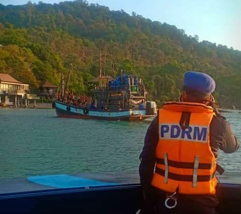 Pix courtesy of Laporan Kemalangan,Bencana, Khidmat Masyarakat Langkawi (LKBKML)