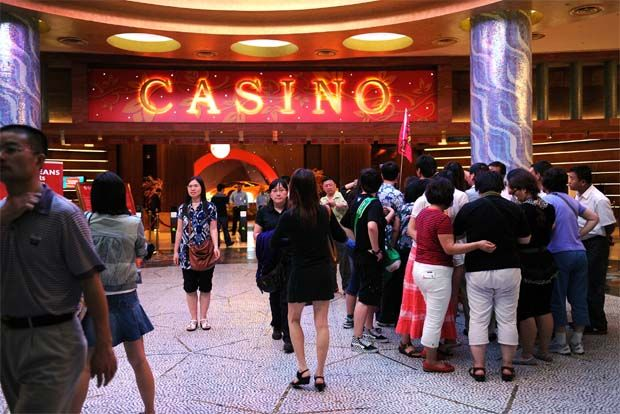 TA Research estimates that Genting, which owns 52.8% of Genting Singapore could see its financial year 2020 (FY20) earnings decline by close to 15% after consolidating the latter's potential fall in earnings.