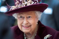 Queen Elizabeth thanks health workers around the world