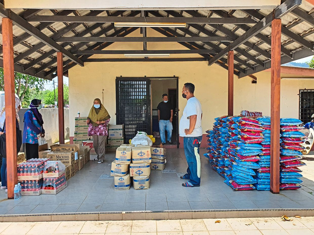 Funds collected were used to purchase dry food items like rice, tinned food and sugar.
