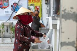 'Rice ATM' feeds the poor