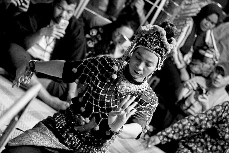 A Mak Yong performance incorporates music, dance and slapstick humour. Photo: Karl Rafiq Nadzarin