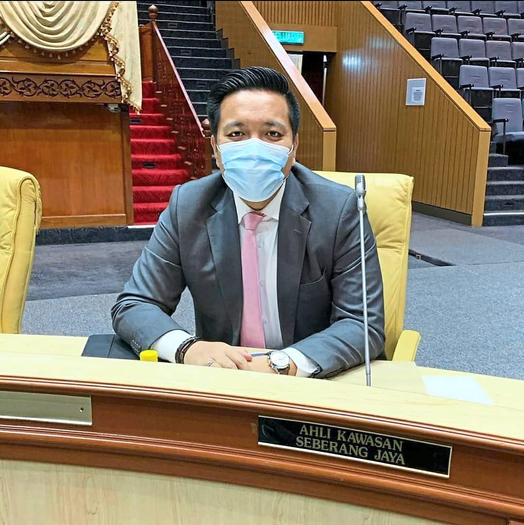 Dr Afif Bahardin taking the backbencher's seat at the state assembly for the first time after quitting as state exco member in charge of health, agriculture and agro-based industry and rural development last month.