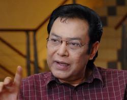 Voice of 'Gaya, Mutu, Keunggulan' ad, newscaster Farit Ismeth Emir, dead at 66