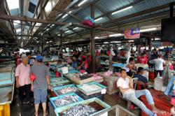 Wholesale market stays close till Friday, traders turn away lorry-loads of produce