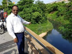 Negri probing the dumping of used engine oil into river