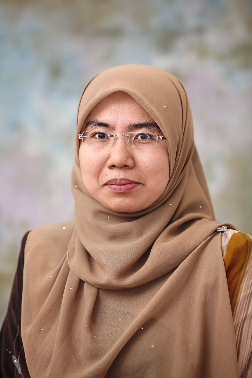 Assoc Prof Barakatun advises Muslim patients with diabetes not to skip sahur or have their final meal before sleeping, as this can wreak havoc on their blood glucose levels. — ASSOC PROF BARAKATUN NISAK MOHD YUSOF