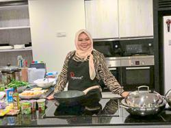 Instagram influencer Yatiekitchen shares her yummy murtabak recipe
