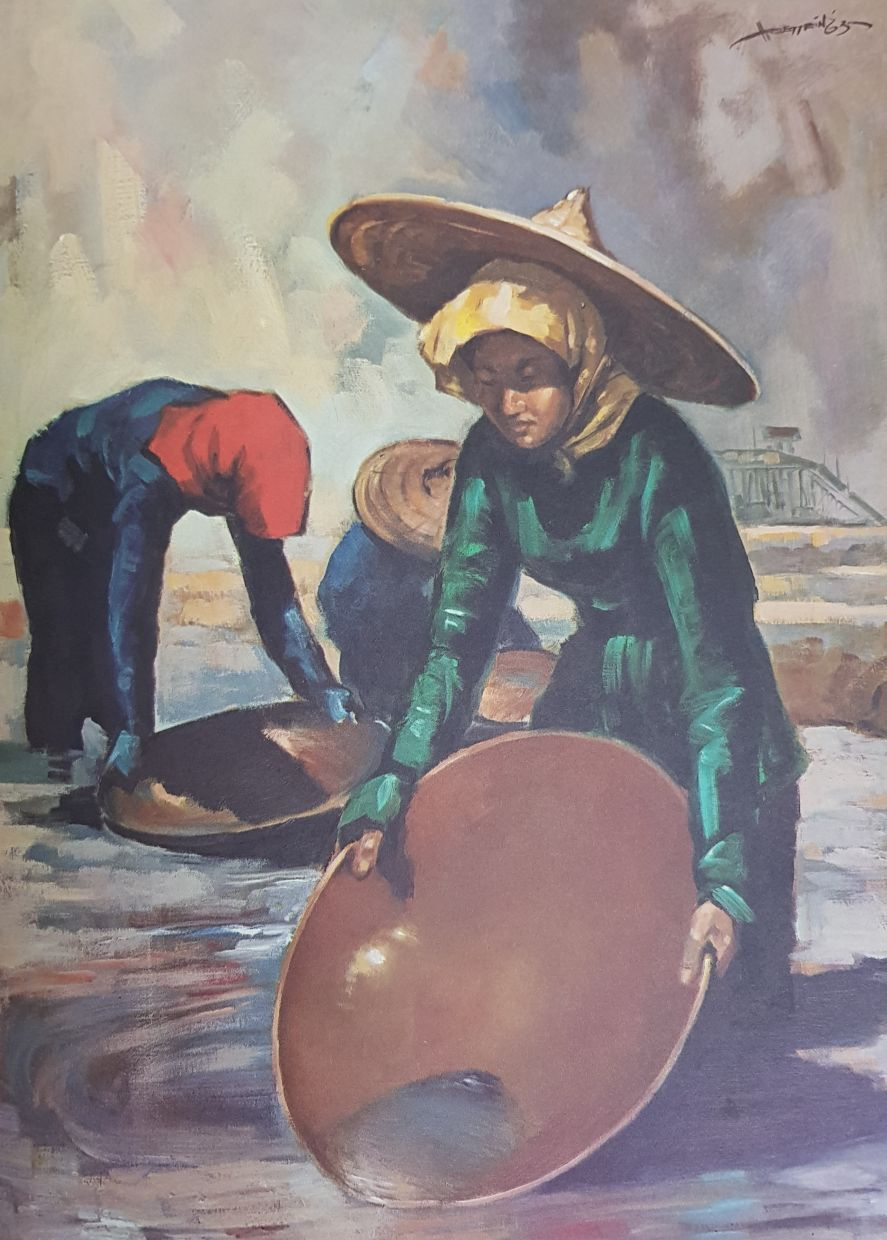 8. One of the earliest painting series featuring everyday Malaysians at work was done by legendary artist Datuk Hoessein Enas. His 'Dulang Washer' work from the 'Malaysians' commemorative book issued by the Shell Group in 1963 is one of several portraits of people seen across the new nation called Malaysia back then. Dulang washers were a migrant Chinese female workforce seen at the tin mines in Kinta Valley (Perak) and parts of Negri Sembilan. The book also features police personnel, road builders, rubber tappers, tea pickers, fishermen, pineapple growers, nurses, oil drillers and more. Photo: Filepic